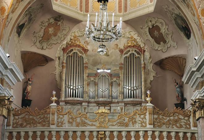 Should church musicians get paid?