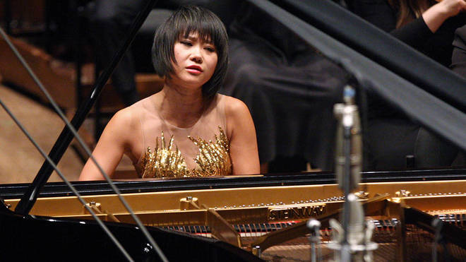 Pianist Yuja Wang shamed for wearing sunglasses on stage