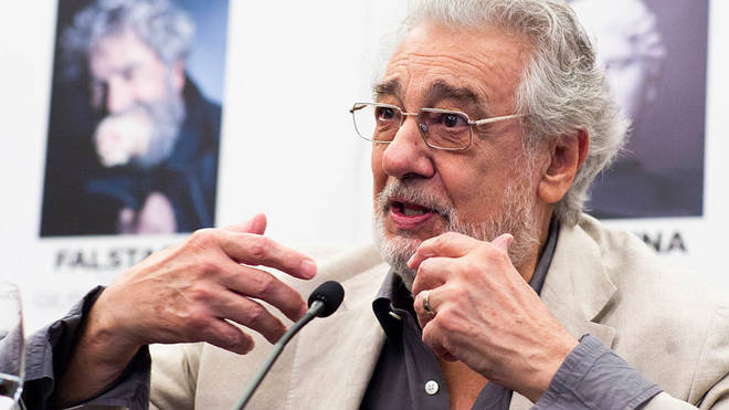 "Plácido Domingo apologises to women for ""pain"" he caused them"