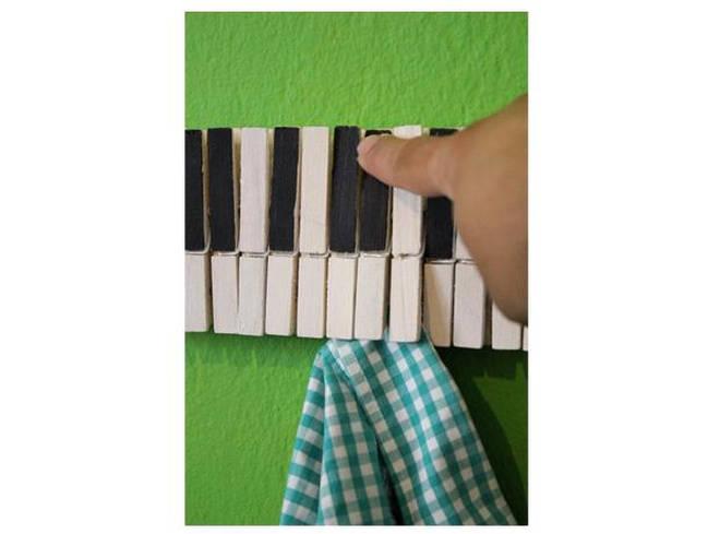 Piano peg