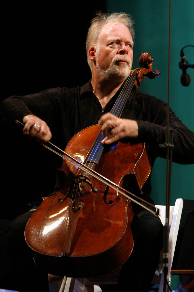 Lynn Harrell performs with the New York Philharmonic