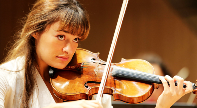 Violinist Nicola Benedetti is offering mass tutorials online, and anyone can take part