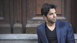 Domingo Hindoyan announced as new chief conductor of Royal Liverpool Philharmonic Orchestra