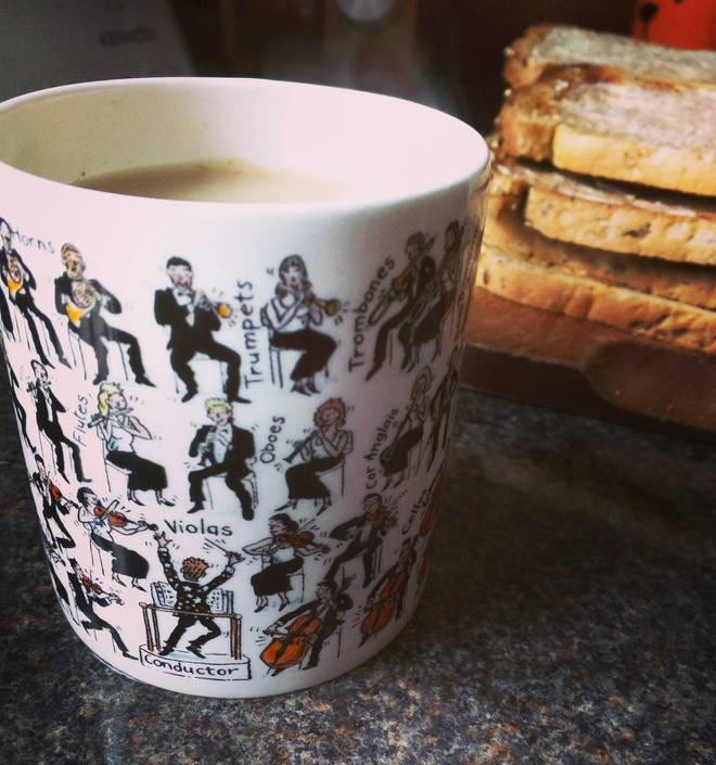 Classical tea mug