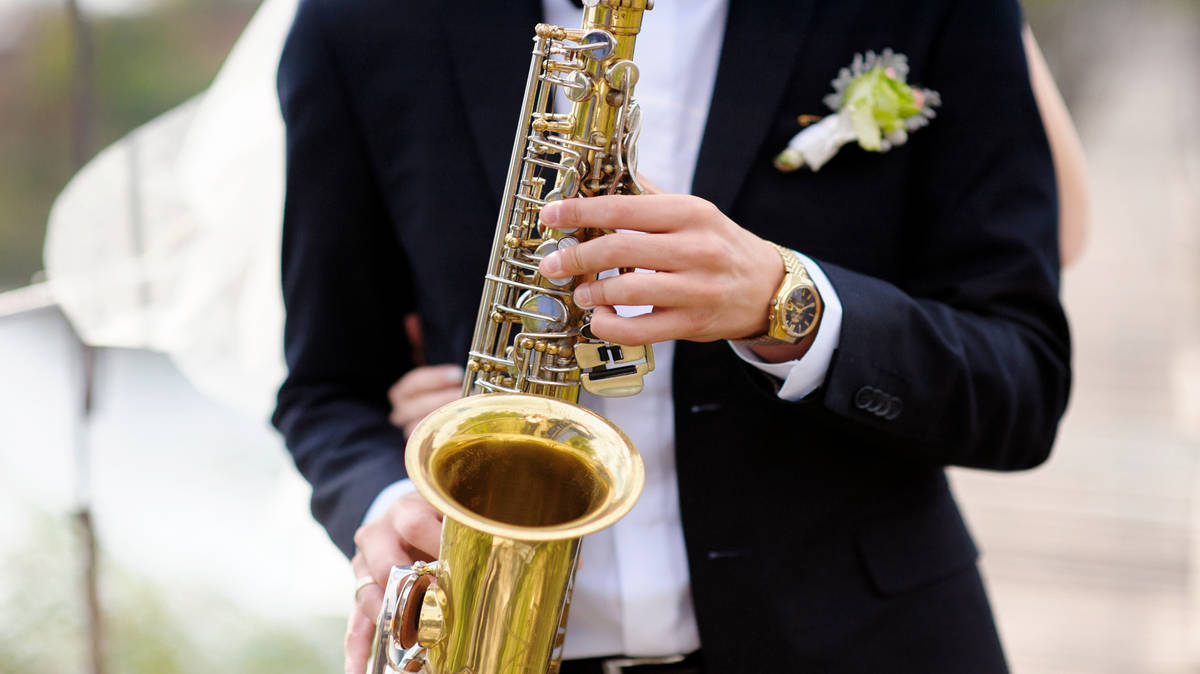 'No singing, no wind instruments', says government guidance for post-lockdown weddings