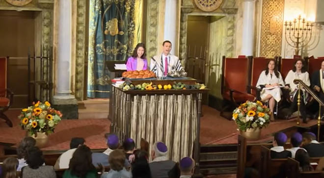 Cantor sets Jewish hymn to tune of 'You'll Be Back'