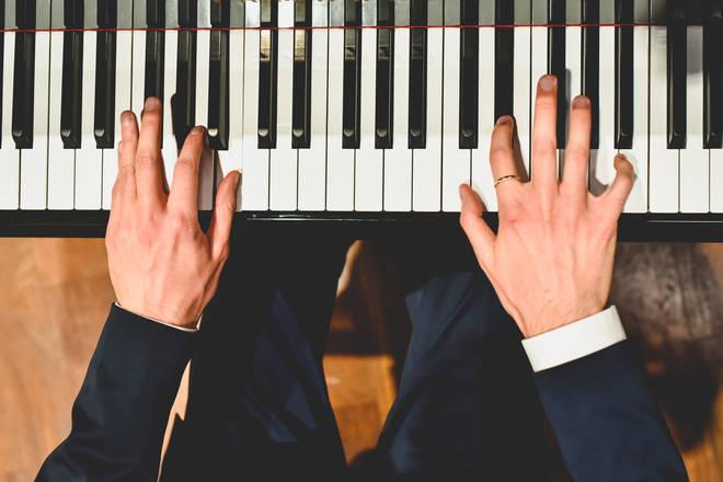 Easy piano pieces