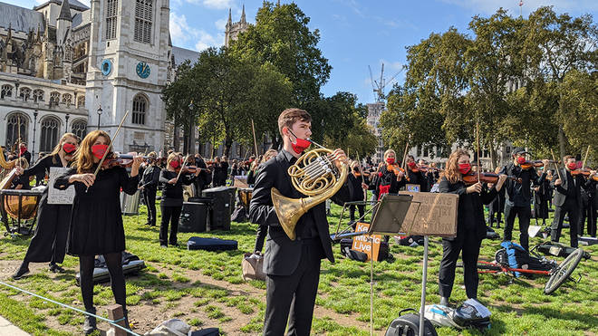 400 musicians perform in Parliament Square protest