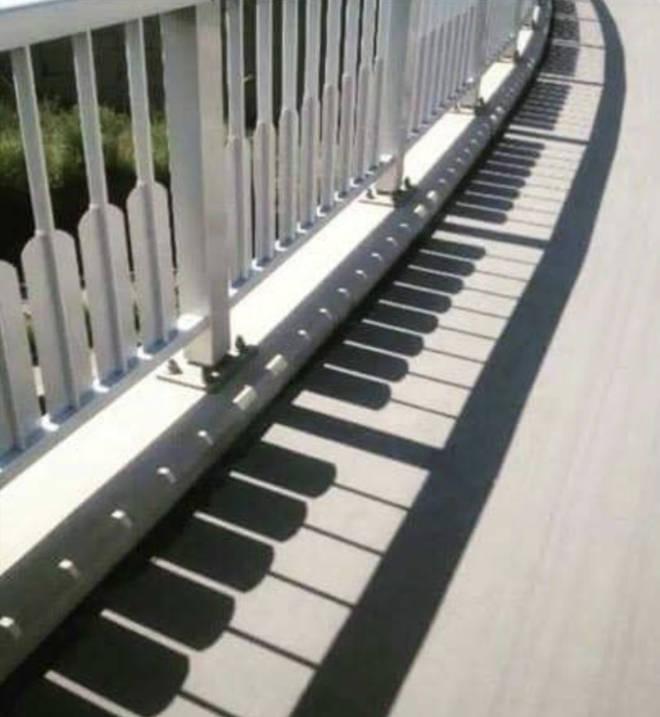 Piano shadows