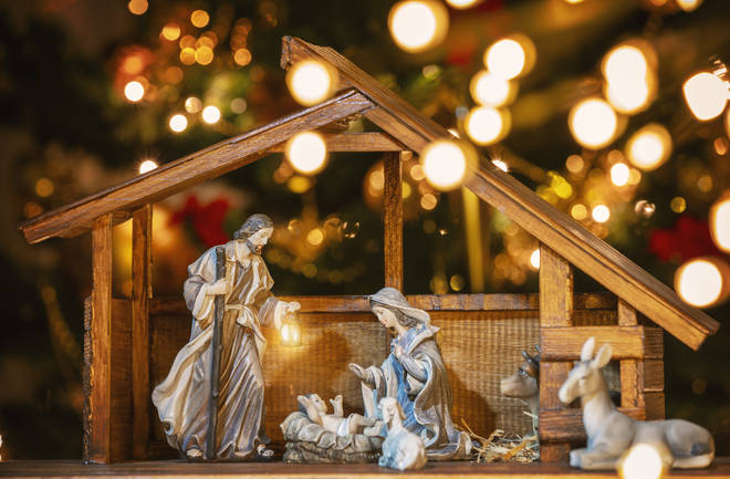 What are the lyrics to 'Away in a Manger'?