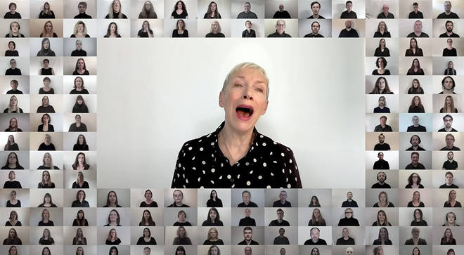 Annie Lennox performs 'Dido's Lament' with London City Voices