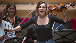 Join in with violinist Nicola Benedetti's virtual New Year Sessions