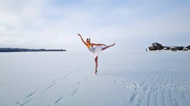 Mariinsky Ballet dancer performs on Gulf of Finland
