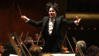 Venezuelan star conductor Gustavo Dudamel to conduct Paris Opera
