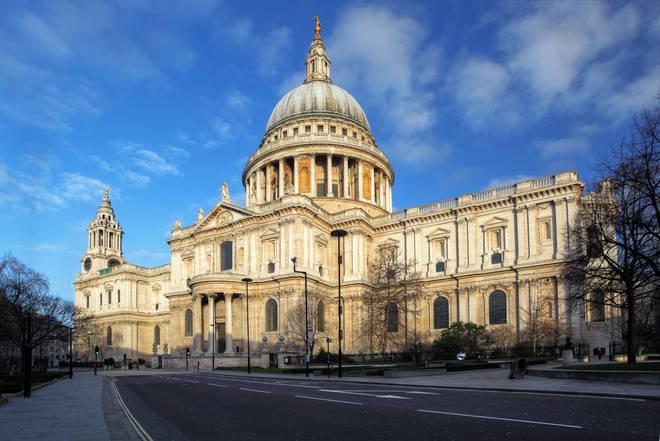 "Those who run St Paul's warn it is ""rotting"""
