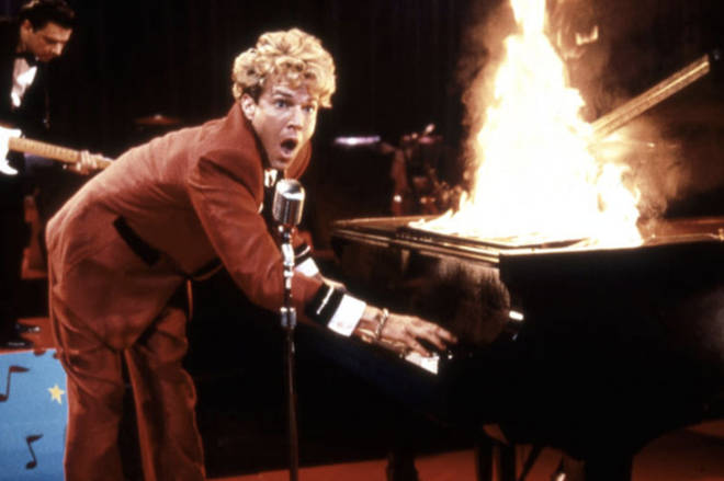 Dennis Quaid plays piano in Great Balls of Fire!