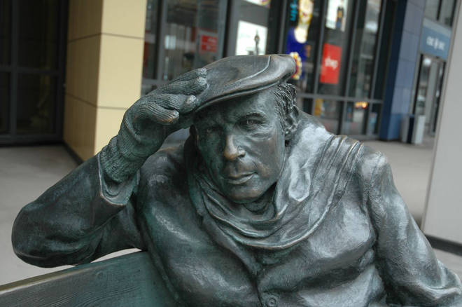 Glenn Gould statue in front of CBC building