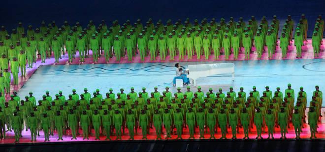 Pianist Lang Lang plays Yellow River Cantata at Beijing 2008