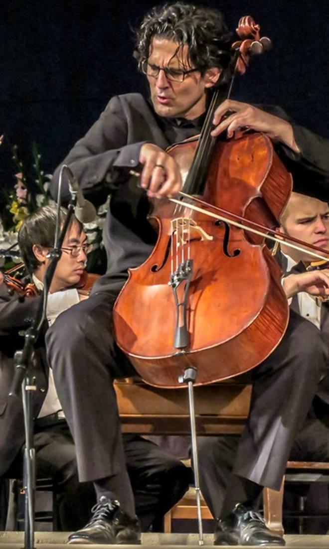 Cellist Amit Peled