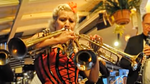 The astounding moment a virtuoso played three trumpets at once
