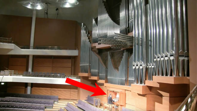 Jonathan Scott on the organ of The Bridgewater Hall
