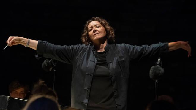 Nathalie Stutzmann conducts the Orchestre Philharmonique de Radio France