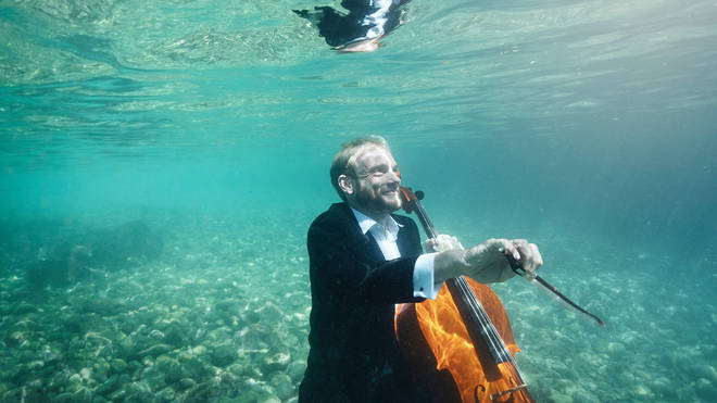 Toke Møldrup played the cello in the Croatian sea