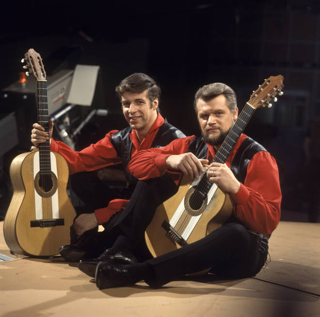 Roy Williamson (left) in The Corries