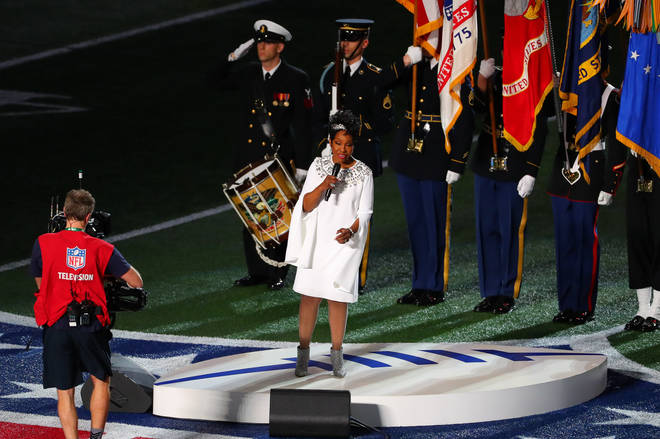 Gladys Knight sings US National Anthem at Super Bowl LIII