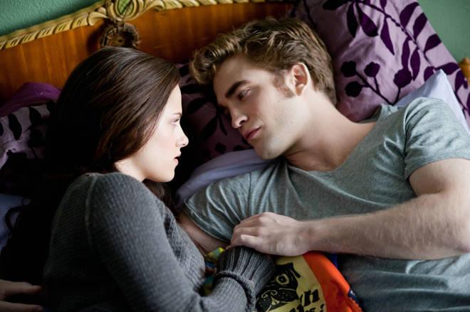 Kristen Stewart (Bella) and Robert Pattinson (Edward) in Twilight