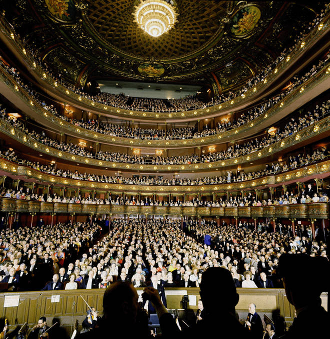 A packed audience at the Metropolitan Opera – the last sight Leonard Warren would see before dying on stage