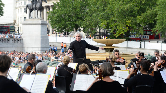 Simon Rattle conducts the LSO in Trafalgar Square