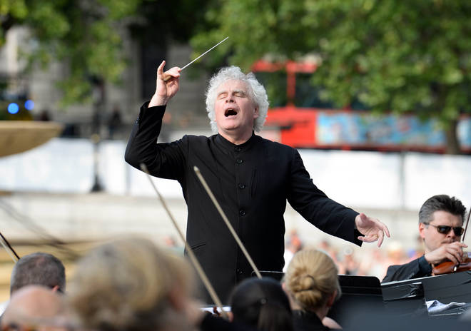 Simon Rattle conducts the LSO in Trafalgar Square, London