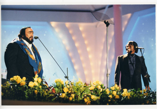 Pavarotti performs with James Brown