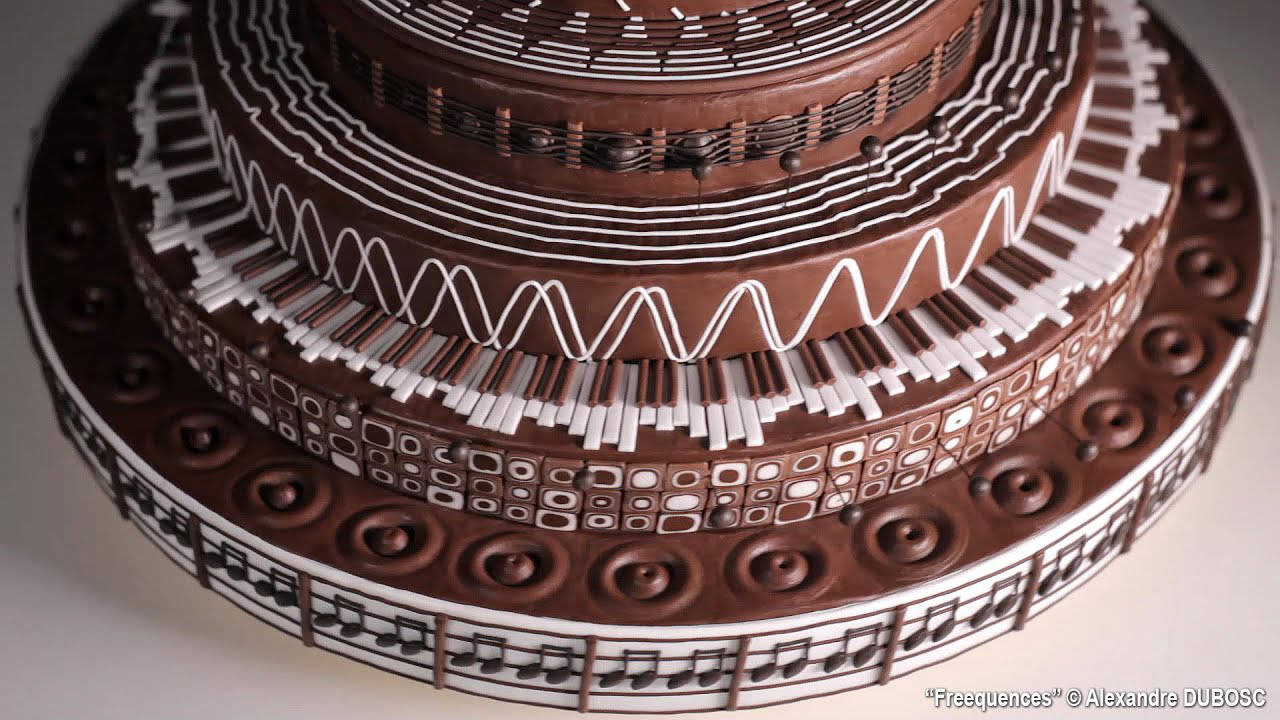 This video of a spinning, music-themed chocolate cake is the most mesmerising thing
