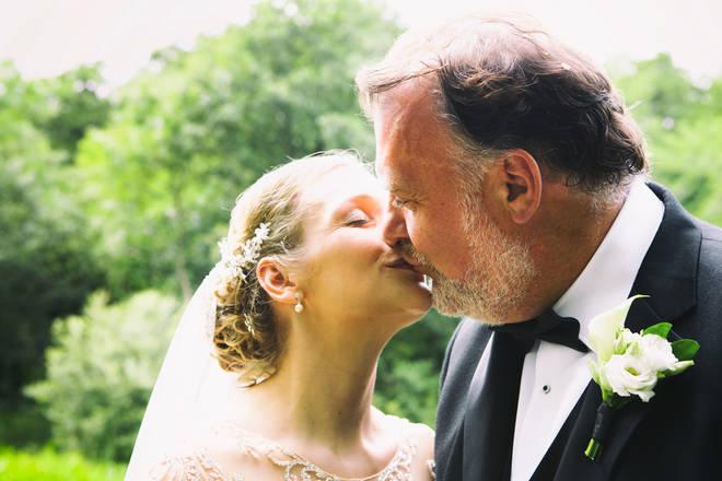 The Kiss: Bryn Terfel marries Hannah Stone