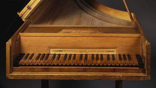 Piano, hecho por Bartolomeo Cristofori (1655-1731)
