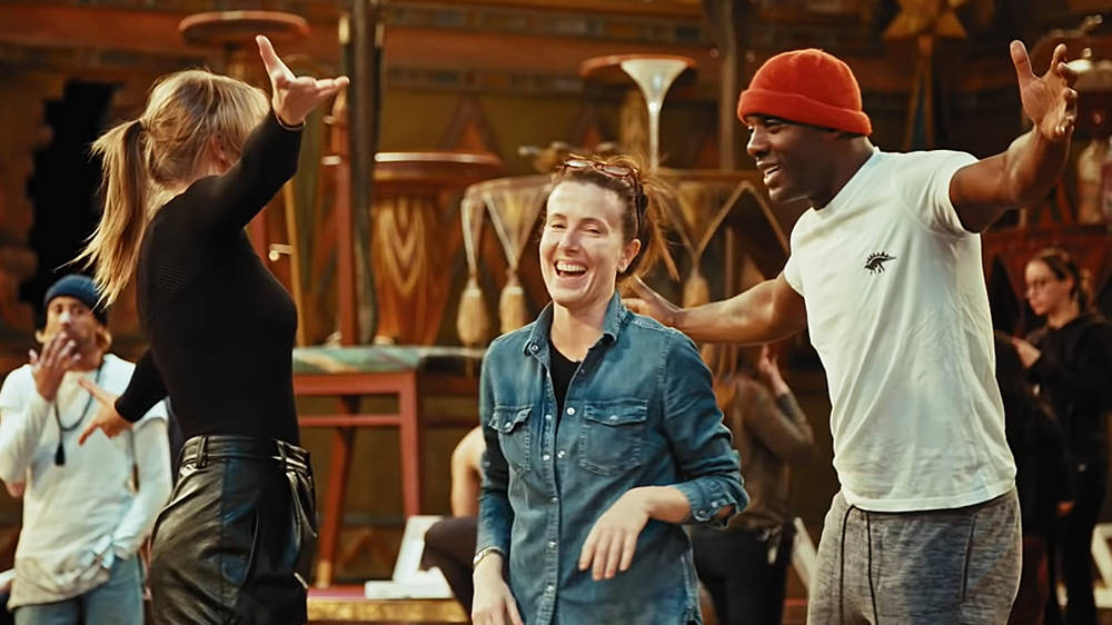 Cats Taylor Swift James Corden And Idris Elba Rehearse Choreography In Classic Fm
