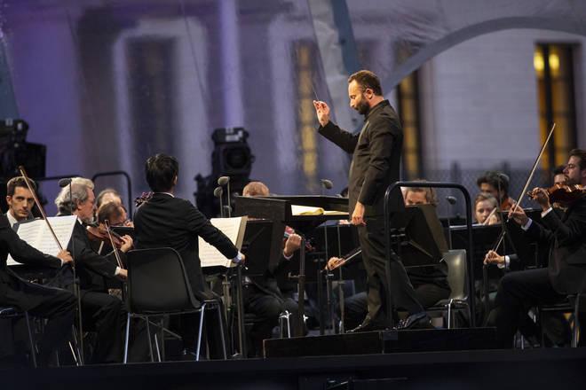 Kirill Petrenko directs Open Air Concert at Brandenburg Gate, Berlin