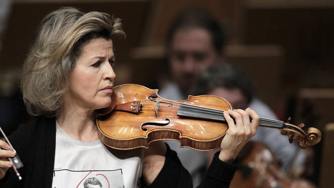 Anne-Sophie Mutter was cheered for making a stand on the use of smartphones in concerts