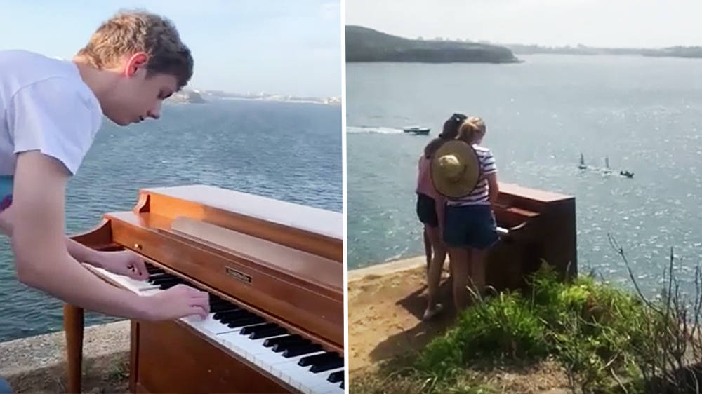Mystery piano appears on cliff in Sydney Harbour and locals can't stop playing it