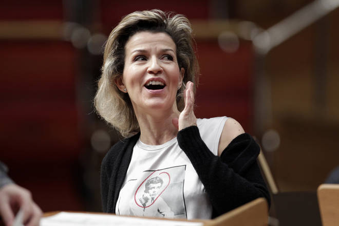 Anne-Sophie Mutter was cheered for standing up to the use of smartphones in concerts